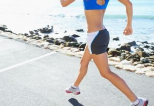 woman with a good running form