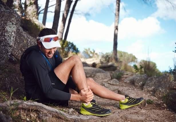 athlete getting injured while running